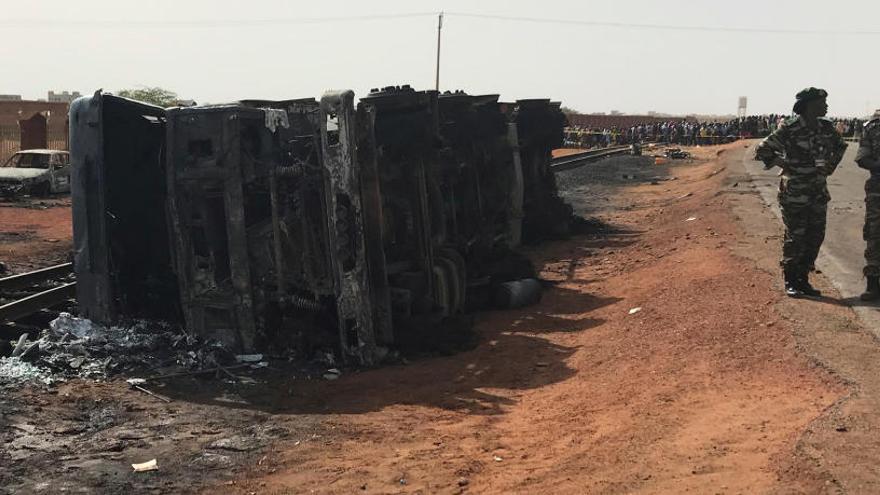 Moren 58 persones per l'explosió d'un camió cisterna a la capital de Níger
