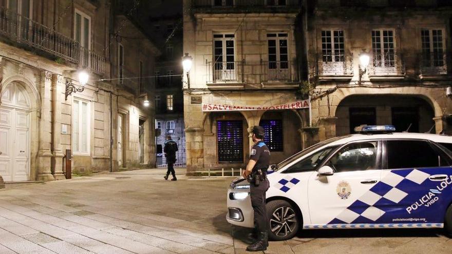 Un hombre va a tomar las uvas con un amigo y se lo encuentra muerto en Vigo