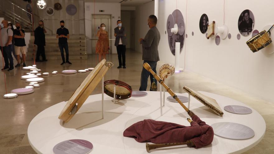Termus, la exposición sobre la música de la raya da inicio en el Etnográfico