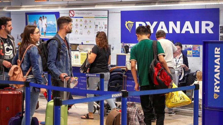 Pilotos de Ryanair denuncian coacciones de la compañía en el primer día de huelga