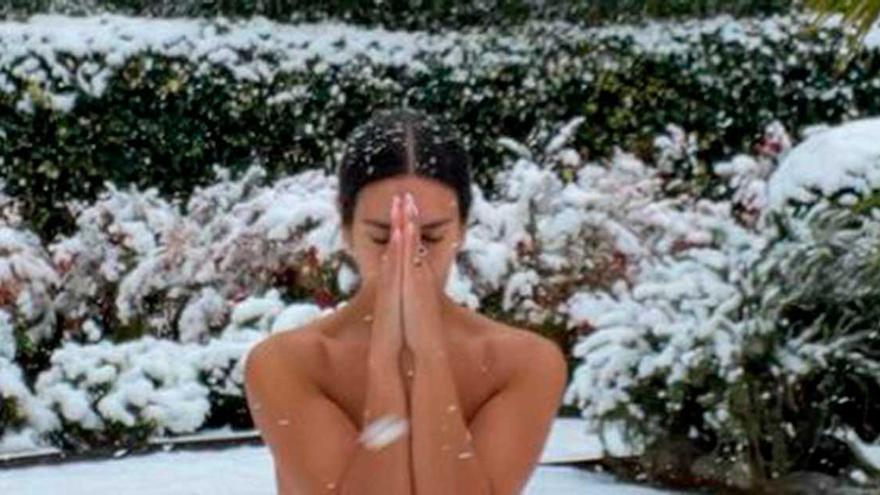"""La respuesta de Cristina Pedroche a la críticas por su foto desnuda en la nieve: """"No entiendo la que se ha montado"""""""