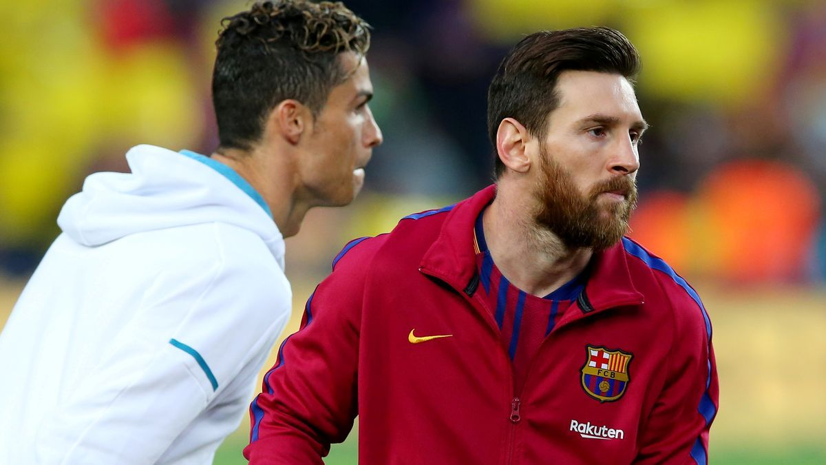 Cristiano Ronaldo and Messi in a Barcelona-Real Madrid in 2018
