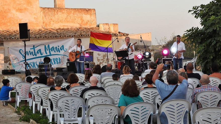 Música y mosquitos en las Festes de la Terra de Formentera