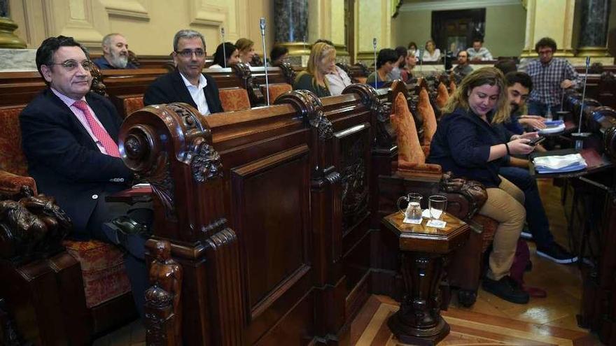 El PSOE defiende su relación de diálogo con Marea frente a las críticas populares