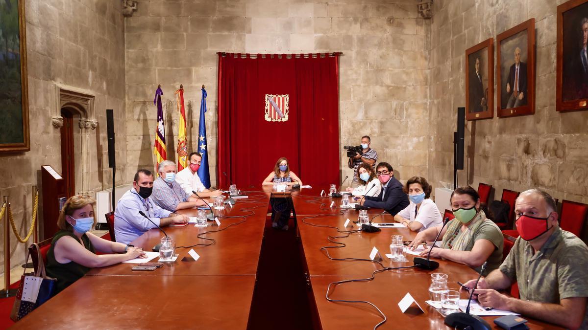 Ein Treffen des Runden Tisches zwischen Balearen-Regierung, Arbeitgebern und Gewerkschaften.