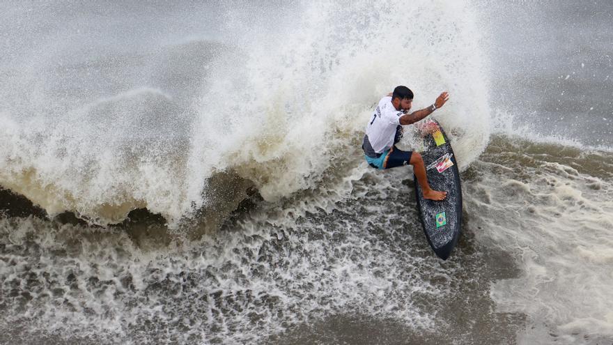 El brasileño Italo Ferreira logra el primer oro olímpico en surf