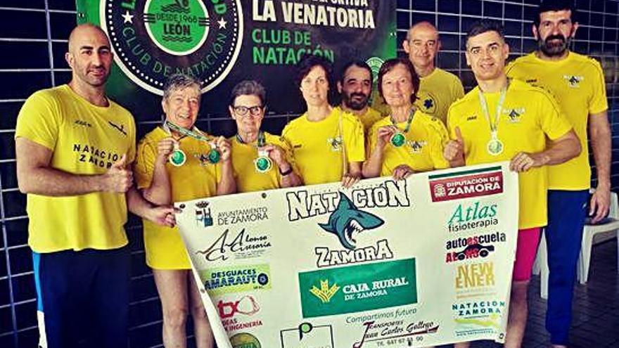 El Natación Zamora regresa con 13 medallas de tierras leonesas