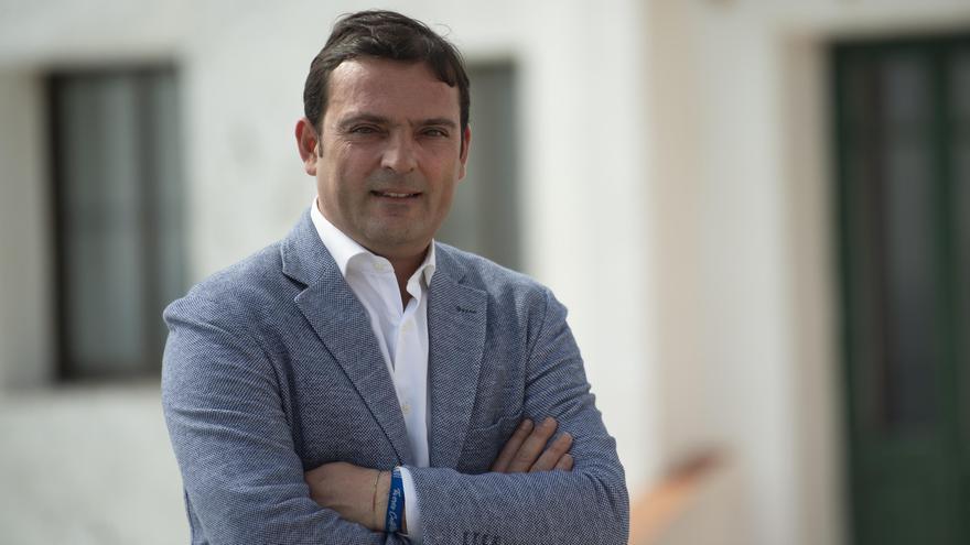 Andrés Martínez lleva cinco legislaturas al frente del Ayuntamiento de Peñíscola, todas ellas con mayoría absoluta.