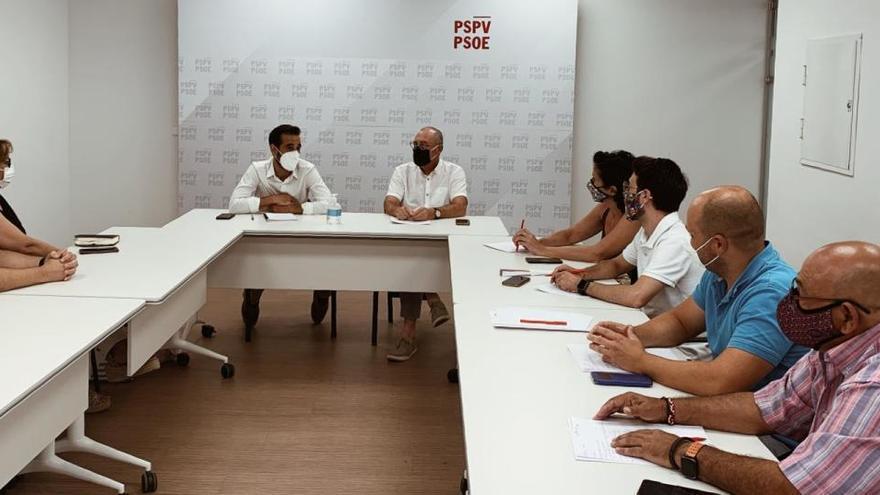 """El PSPV insta a los nuevos secretarios generales de La Pobla de Vallbona y Serra a seguir """"buscando acuerdos"""""""