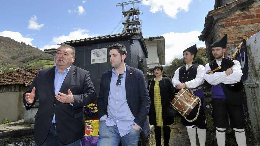 La comarca celebró el Día de la República con varios homenajes