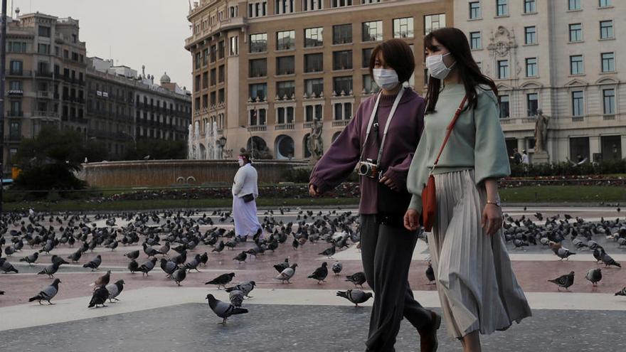 La Generalitat recomienda usar mascarilla para ir a comprar