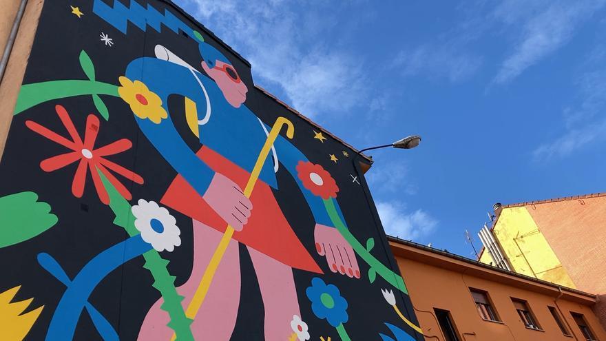 """""""Parees"""" llena de color las calles de Oviedo"""