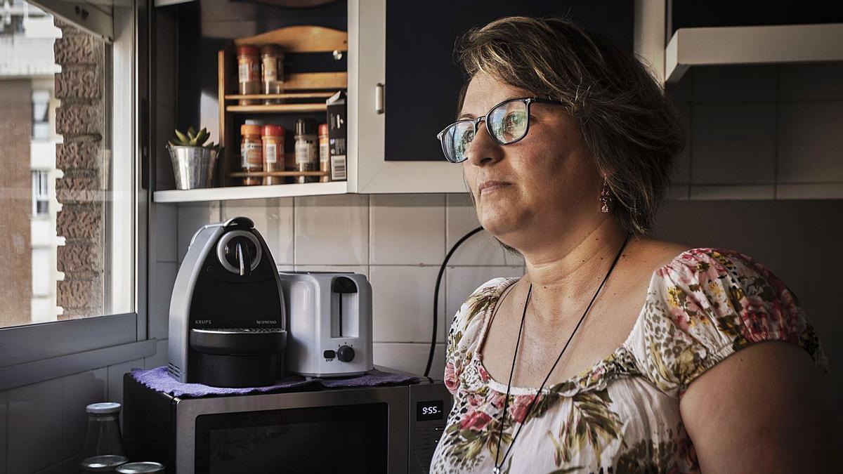 Cecilia Oroná, trabajadora  del hogar uruguaya,  en su casa.  g.caballero