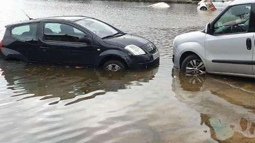 Una nueva tromba de agua deja conductores atrapados en Castellón