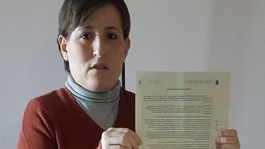 """Una mujer maltratada no puede inscribir a su bebé de 3 meses: """"Es como si no existiera"""""""