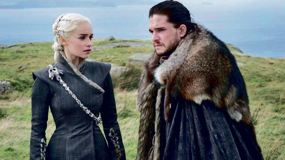 Emilia Clarke y Kit Harington como Daenerys y Jon Nieve.