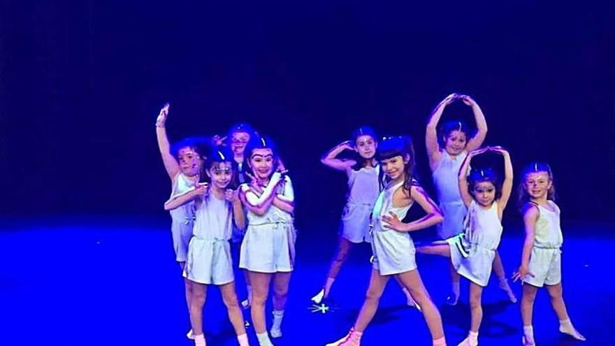 """La escuela de danza La Caracola se clasifica para la final del concurso """"Nacedanza"""""""