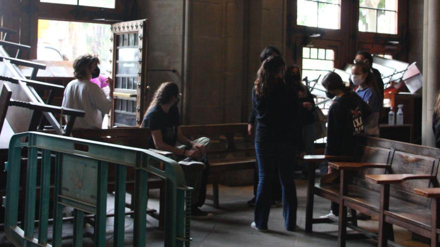 Els estudiants mantenen l'ocupació a la UB a l'espera de la reunió de dijous