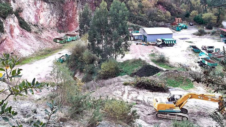 Investigan el vertido de lodos del puerto de Llanes en Ribadedeva