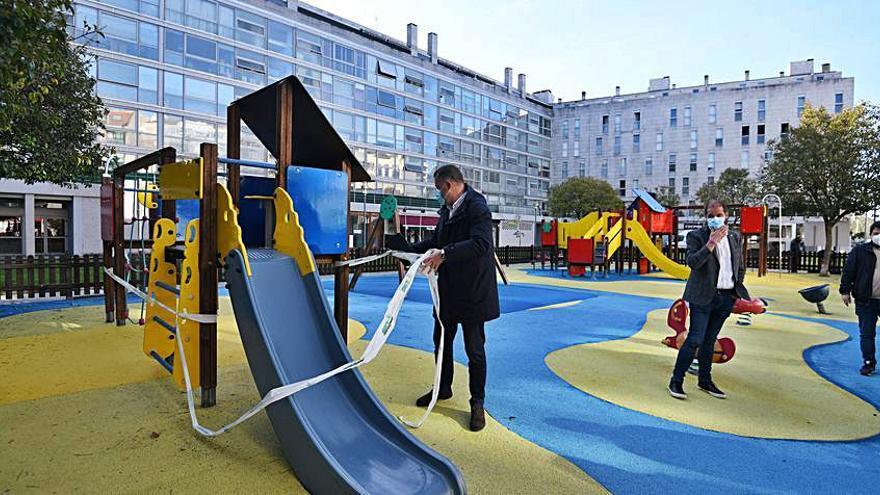El Concello moderniza los parques infantiles tras revisar la seguridad de los 63 existentes