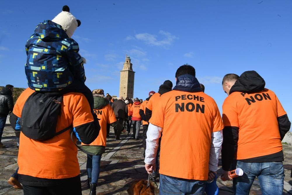 Los trabajadores de Alcoa en la Torre de Hércules