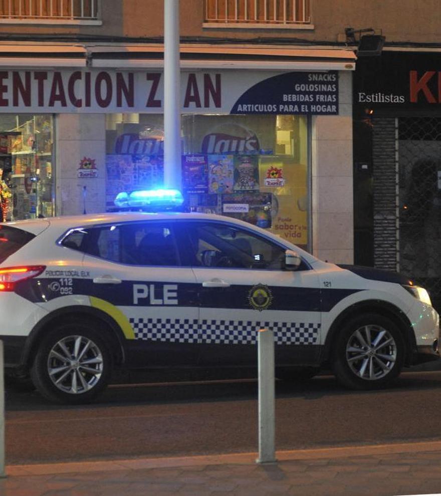 La Policía Local detiene a un hombre de 46 años por maltrato y vejaciones a su pareja en Elche