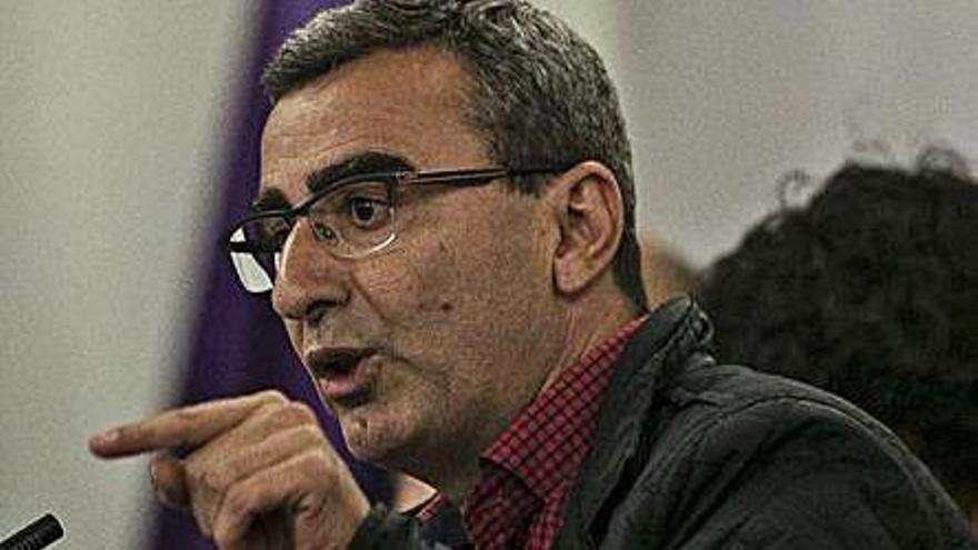 Javier Abreu denuncia irregularidades del gobierno lagunero ante la Fiscalía