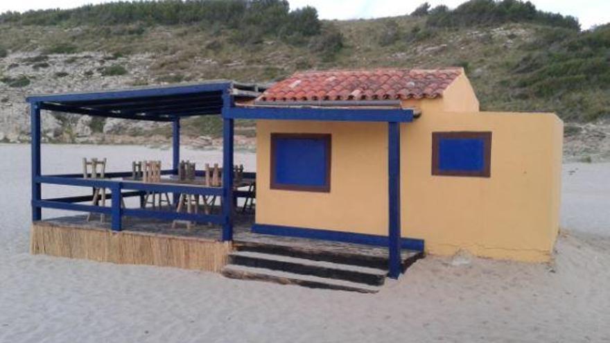 Umweltschützer prangern Pools und Strandbars an der Küste von Mallorca an