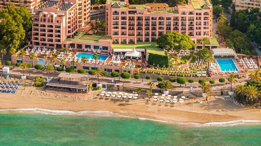 Un hotel de Marbella realiza PCR gratuitas a los huéspedes extranjeros que superen los 2.000 euros por estancia