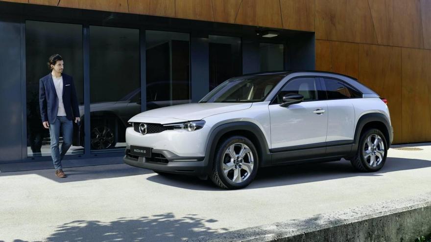 Mazda empieza a producir el MX-30, su primer coche 100% eléctrico