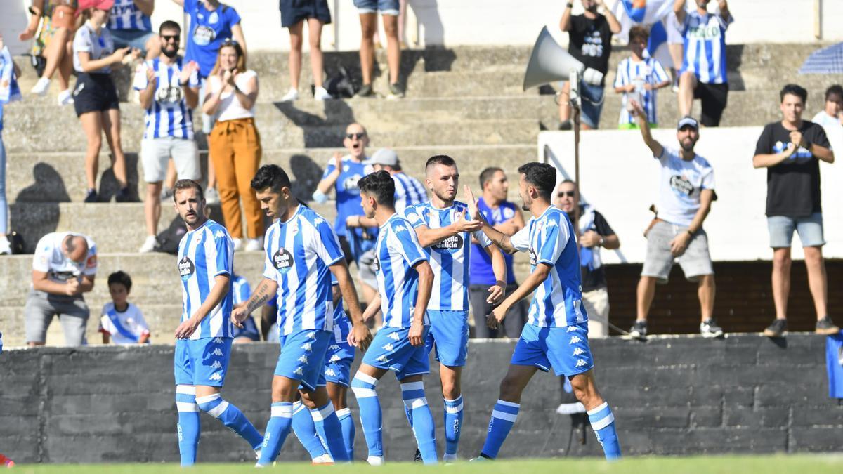 Lapeña celebra su gol en Tudela