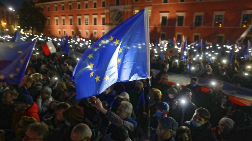 Multitudinaria manifestación en Polonia a favor de la permanencia en la UE