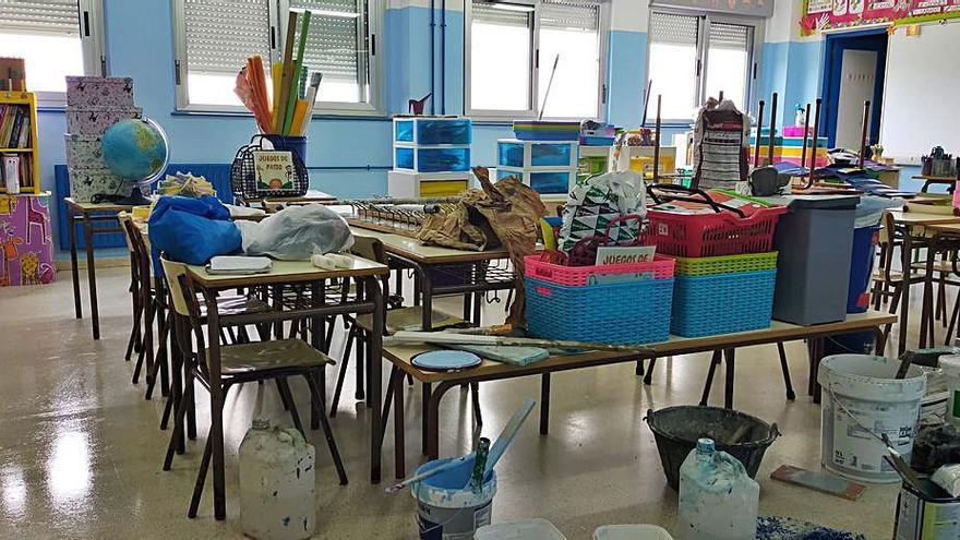 Comienza el mantenimiento de las aulas escolares en Castrillón
