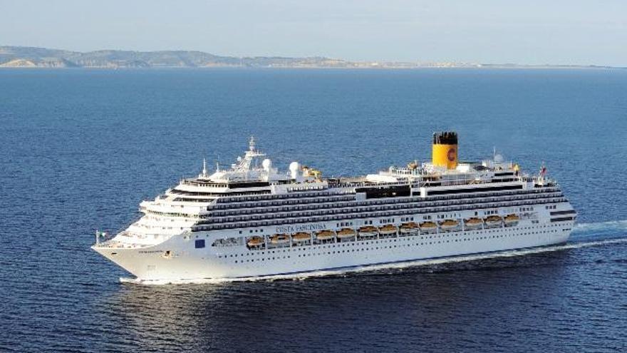 València estrena conexiones directas con los cruceros por Grecia y los fiordos