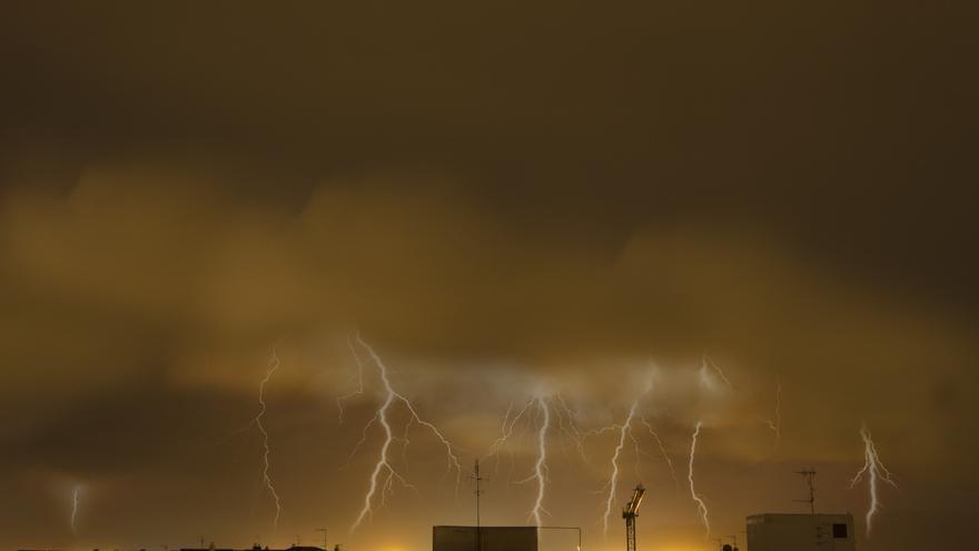 Castellón recupera la 'calma' tras una noche de tormentas, rayos y viento