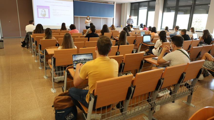 La UMH lanza 55 cursos de invierno presenciales y online