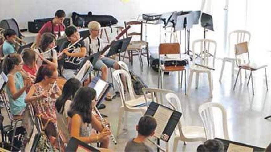 Erstes Orchestertreffen auf Mallorca: große Bürger, kleine Musiker