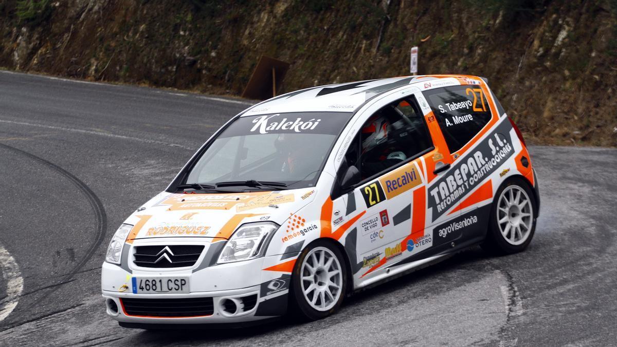 El Citroën de Tabeayo y Moure durante un tramo del Rallye Rías Baixas