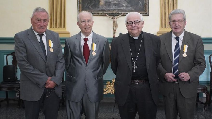 El Bisbat lliura la Creu «Pro Ecclesia et Pontifice»