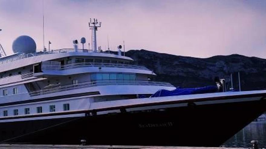 Los cruceros ya atracan en el puerto dianense