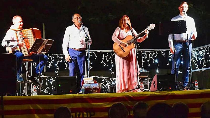 La tradicional cantada d'havaneres tanca la Festa Major de Castellnou de Bages
