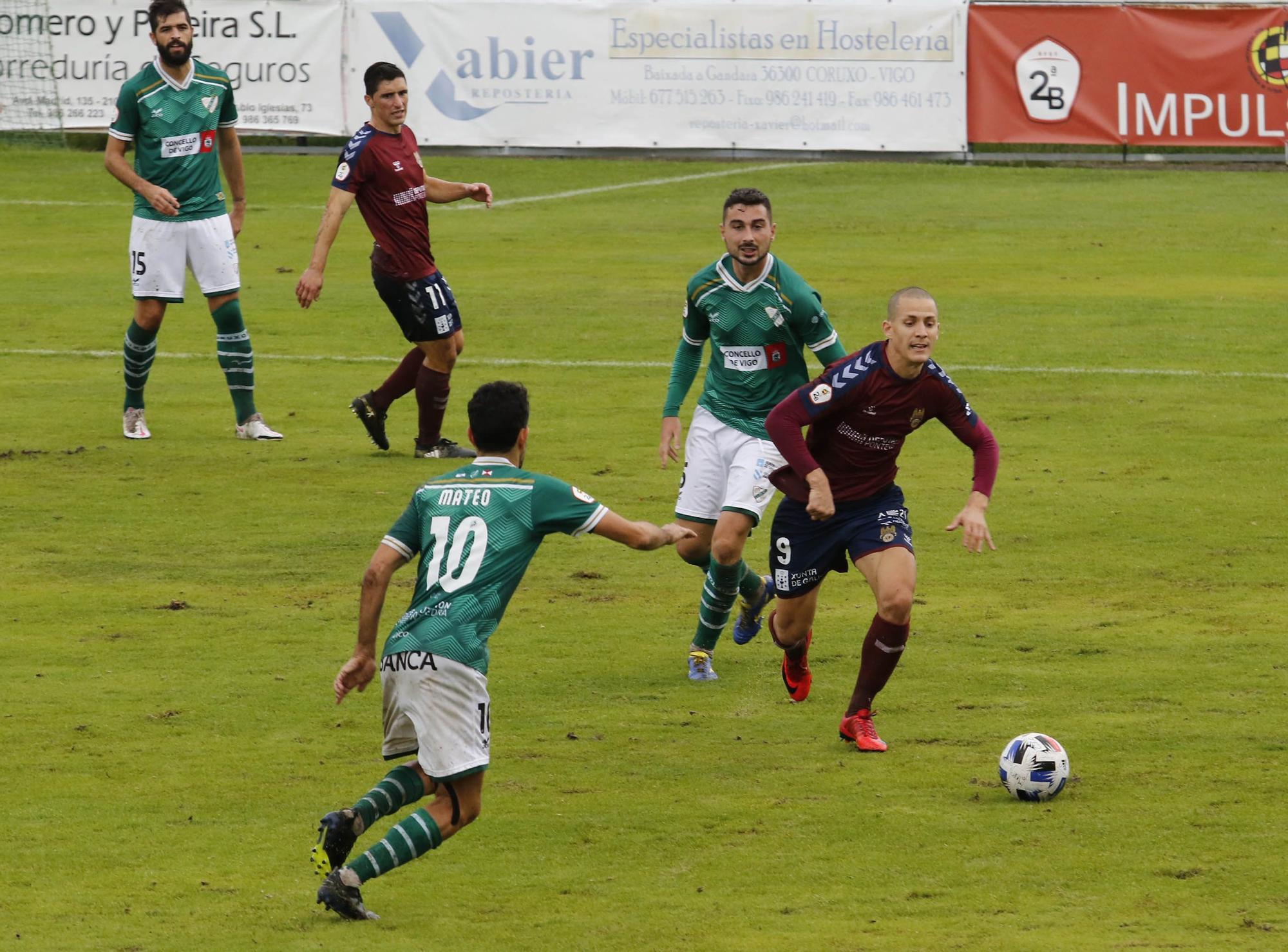El Pontevedra pierde el título de invicto ante el Coruxo