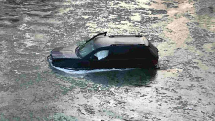 Se despeña con su coche en un río helado y Siri la salva
