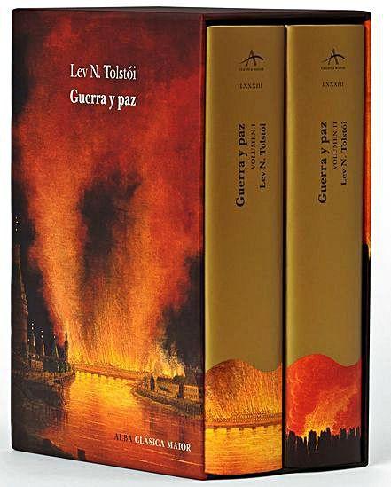 Estuche con los dos  volúmenes de 'Guerra y paz',  de Alba Editorial.