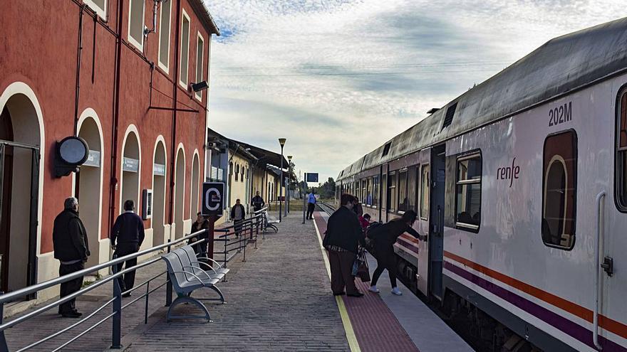 Renfe mantiene suprimidos un 25% de trenes regionales desde hace 18 meses