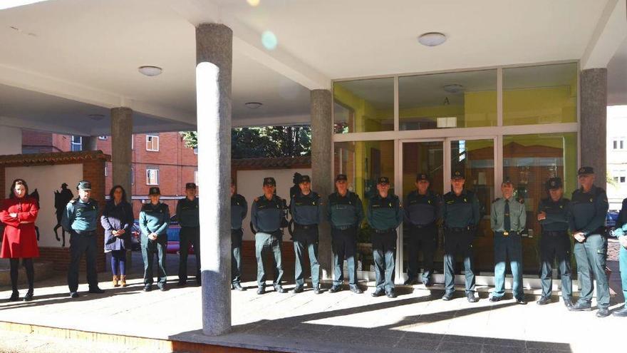 Guardias civiles y policías nacionales recuerdan a las víctimas del 11-M