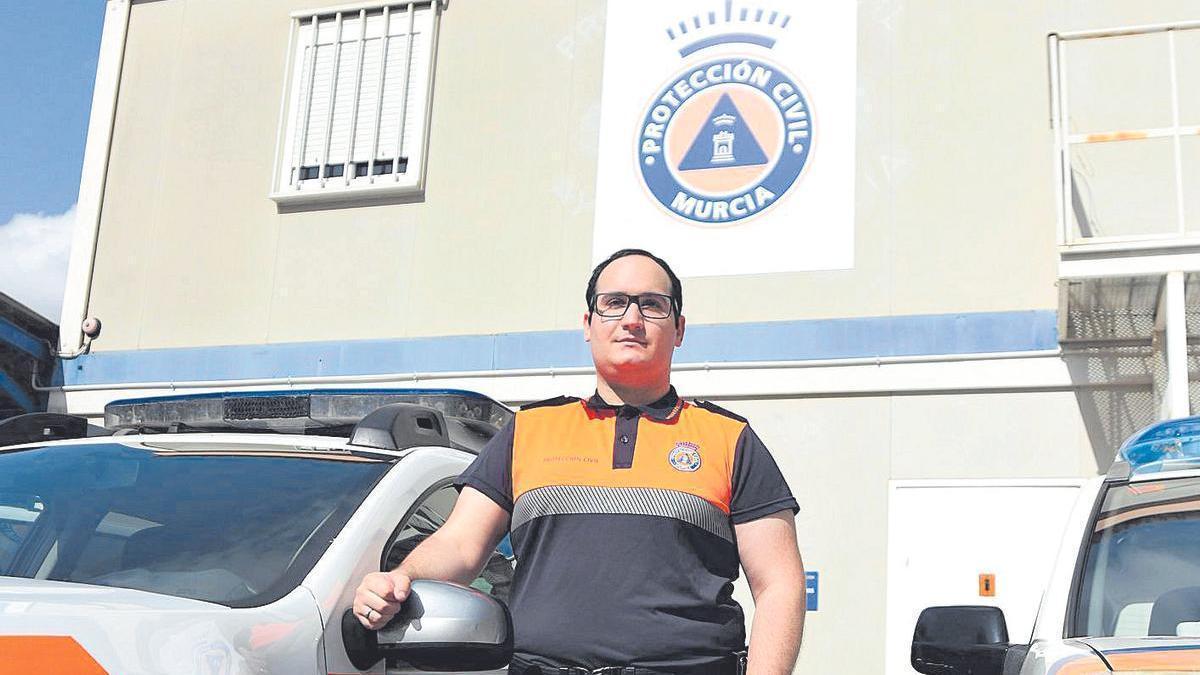 Ismael Ruiz en la sede de Protección Civil en el Infante.