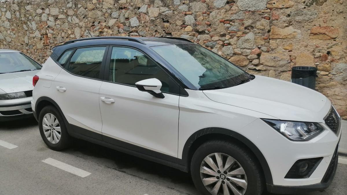El cotxe robat i  recuperat a la Jonquera -