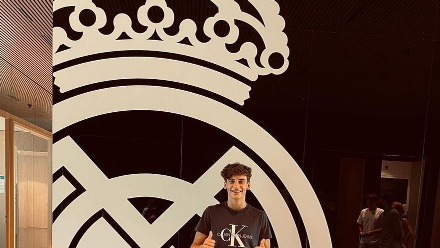 El Elche recibe 40.000 euros por el traspaso de Javi Villar al Real Madrid