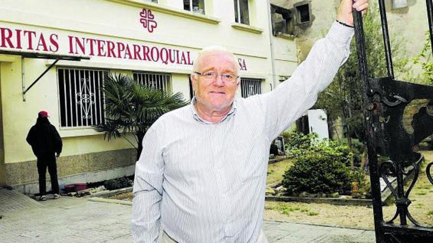 Homenaje en O Carreirón a Francisco Fernández, exdirector de Cáritas Arousa